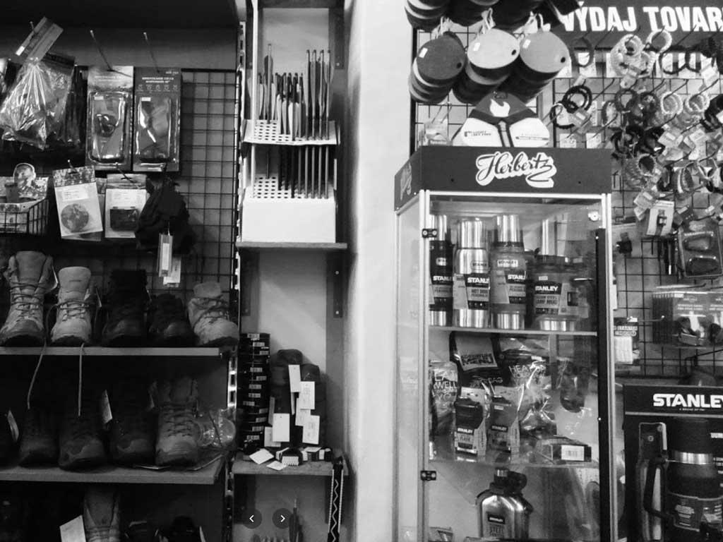 predajna armyshop knifestock